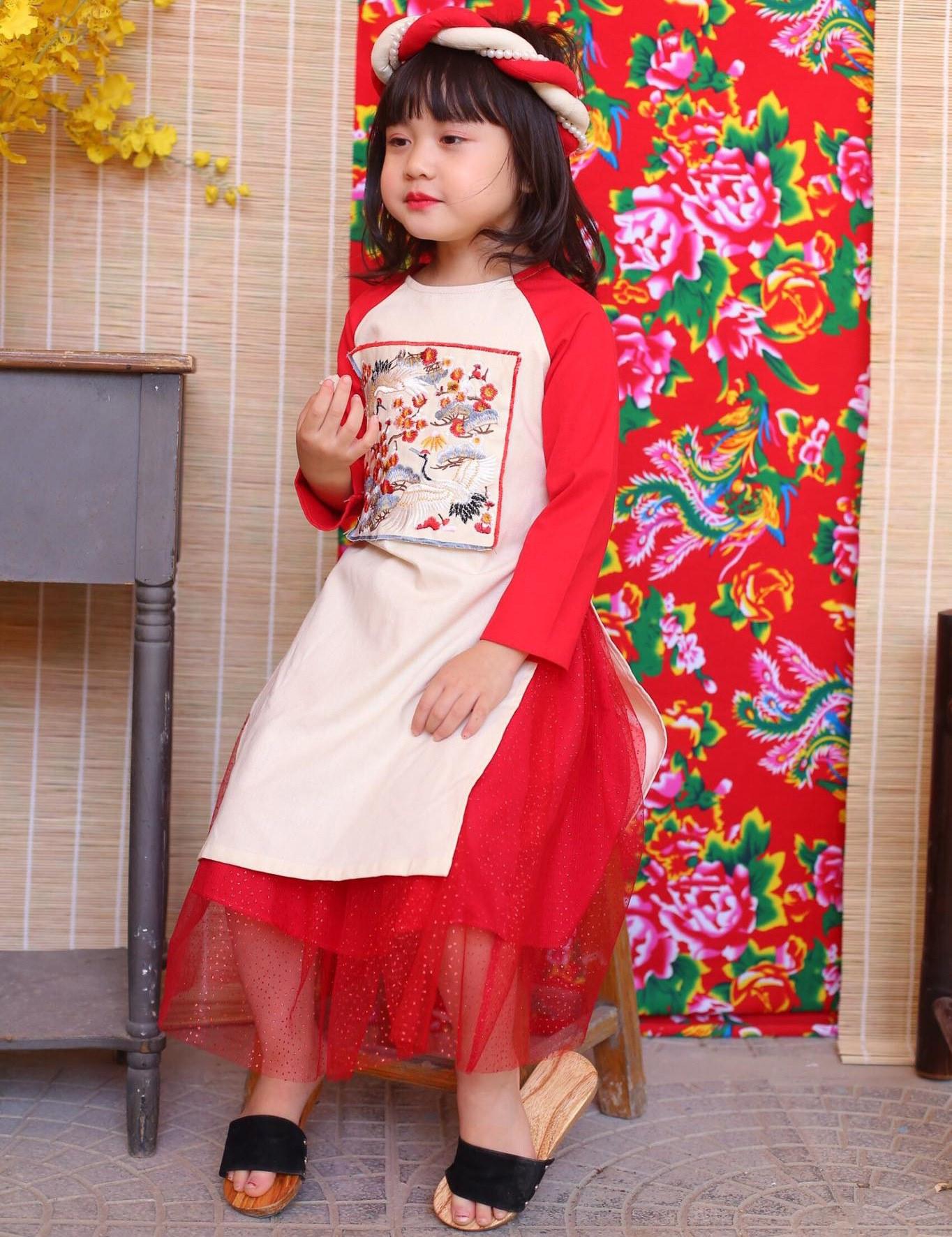 Áo dài bé gái phối tay màu đỏ size cỡ 9kg -30kg