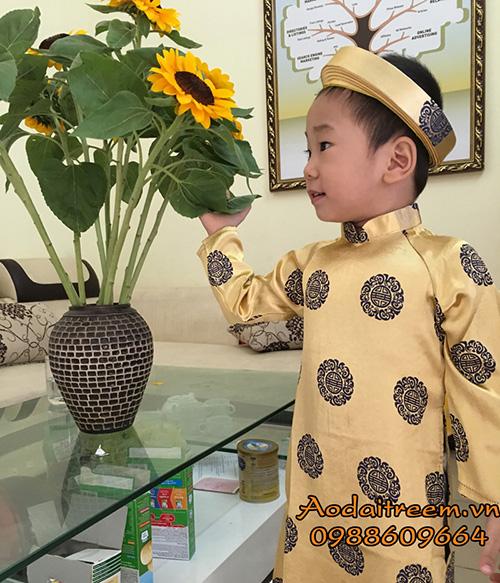 Áo dài bé trai đồng xu màu vàng đồng