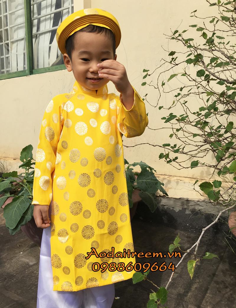 Áo dài bé trai họa tiết đồng xu màu vàng
