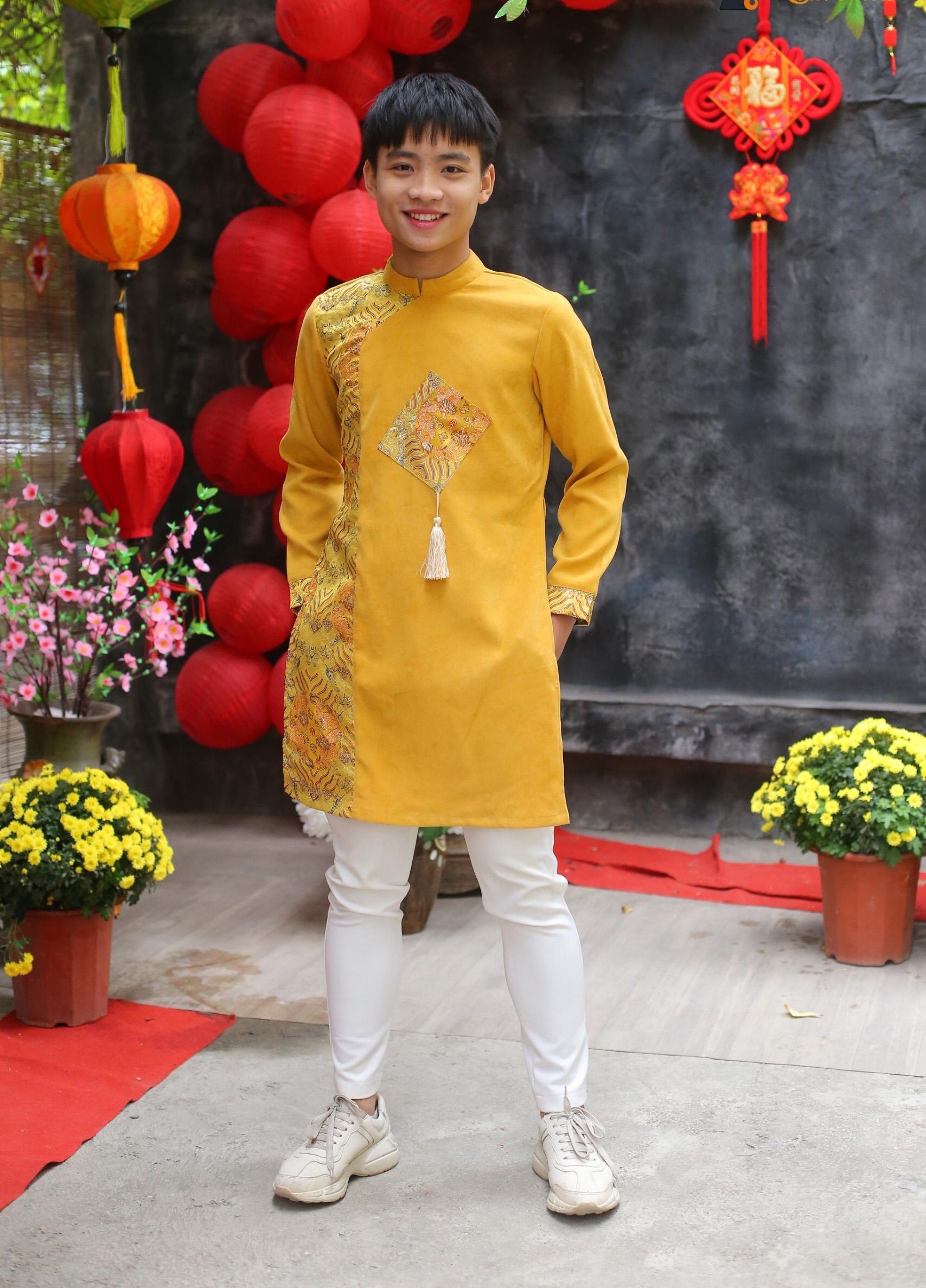 Áo dài bé trai màu vàng cỡ 30kg-50kg