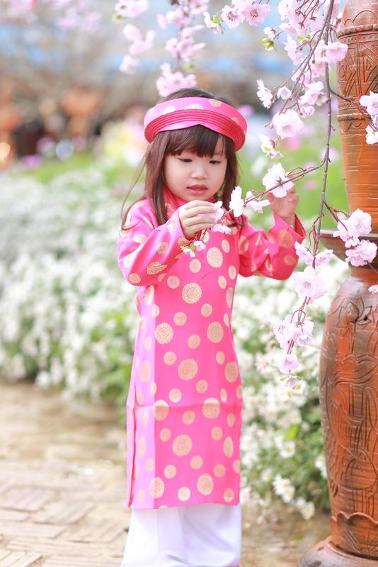Áo dài trẻ em - Họa tiết đồng xu màu hồng xác pháo