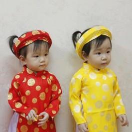 Áo dài bé gái - Họa tiết đồng xu màu đỏ, màu vàng mai
