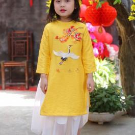 Áo dài bé gái thêu hạc đào màu vàng size 10kg-32kg