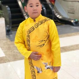 Sét áo dài Gấm bé trai họa tiết đèn lồng màu vàng kèm quần (2-14 tuổi)